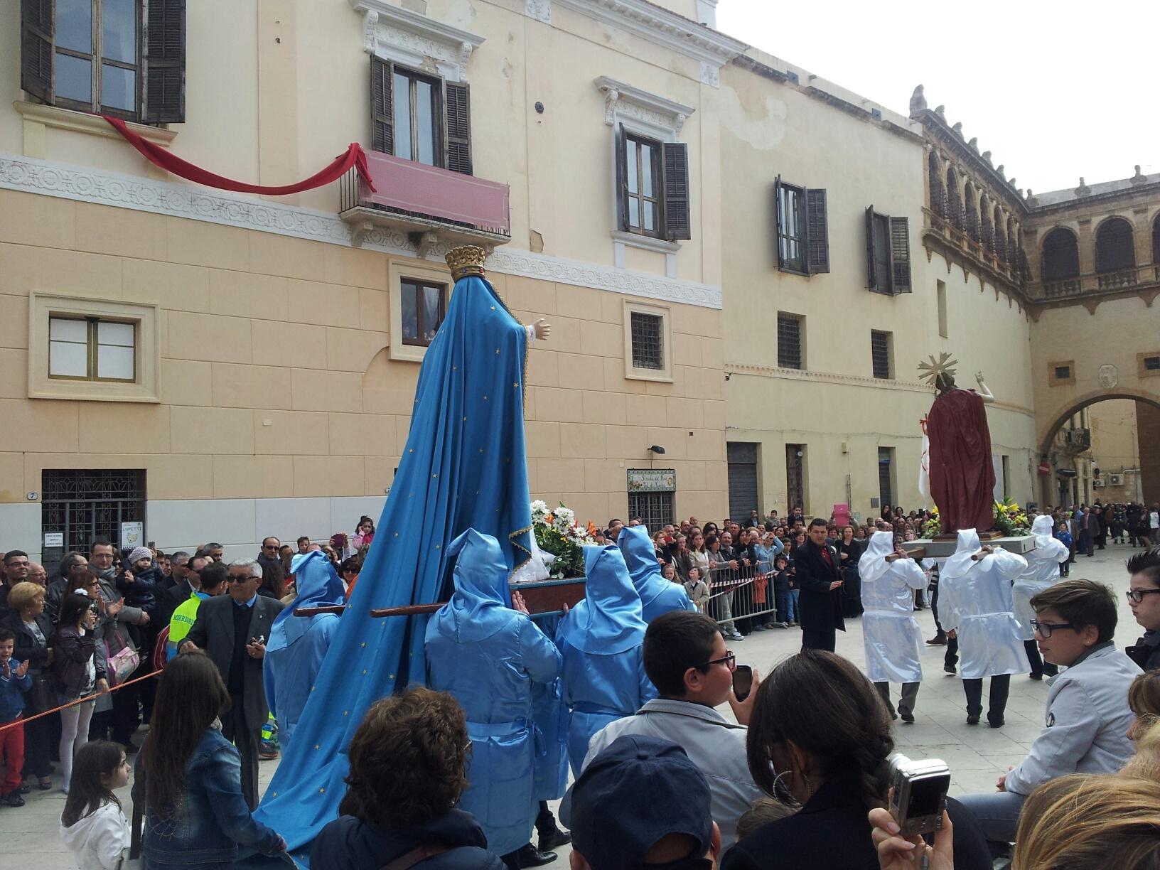 Mazara, l'Aurora, Domenica ore 10,00 in piazza della Repubblica