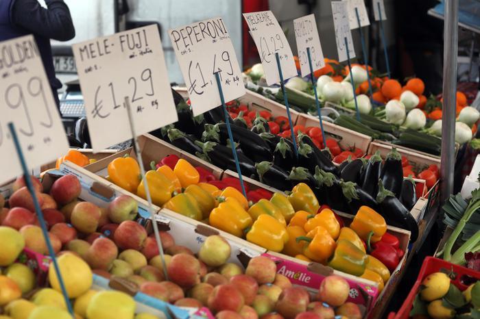 Ripresa inflazione a marzo, prezzi +0,9%