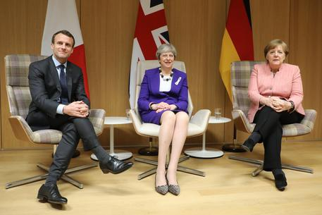 Merkel-Macron-May, stop dazi Usa o l'Ue si difenderà