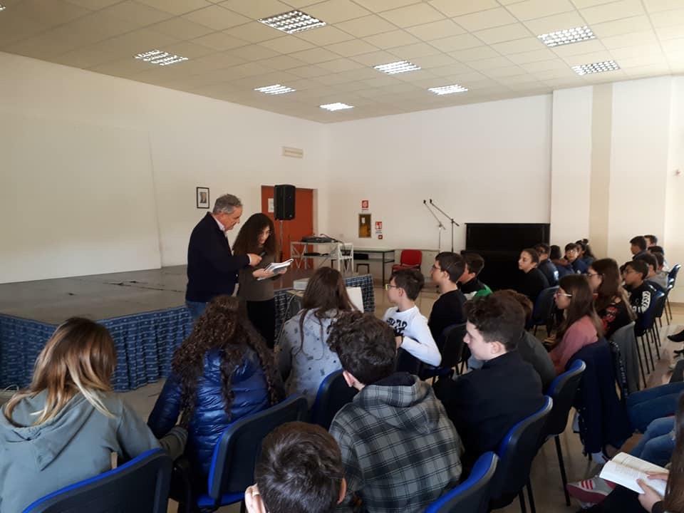 Mazara, il professore Claudio Elliot ha incontrato gli alunni della Scuola