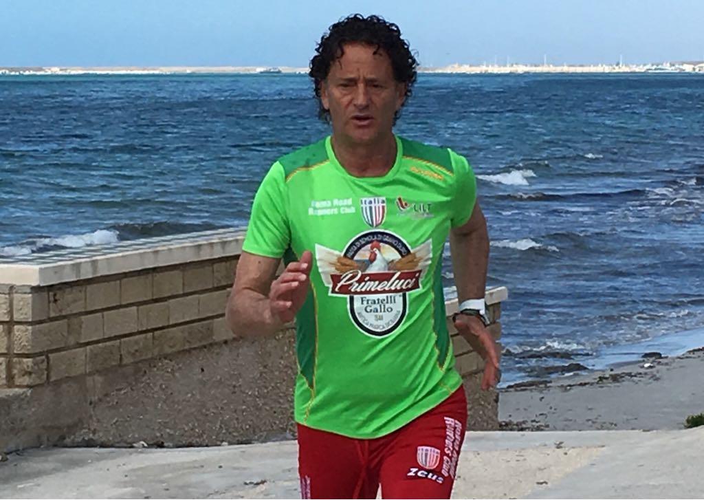 "Mazara, l'atleta Pino Pomilia alla ""Milano Marathon"""