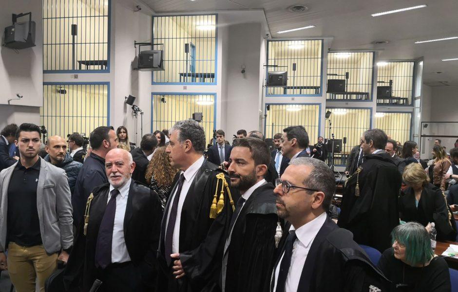 Trattativa Stato-mafia, condanne fino a 28 anni per gli ufficiali dei carabinieri, assolto l'ex ministro Mancino