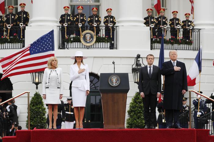 Trump a Macron, questo è il momento per essere uniti