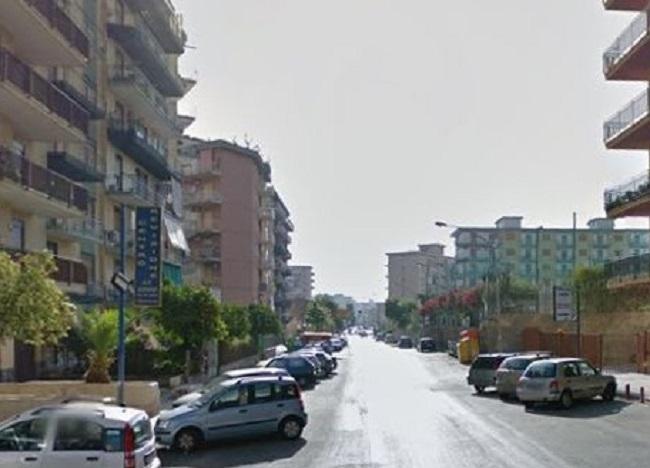 Tragedia a Palermo, ragazzo di 18 anni si lancia dal nono piano
