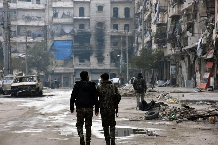 Missili contro basi militari, almeno 40 morti in Siria