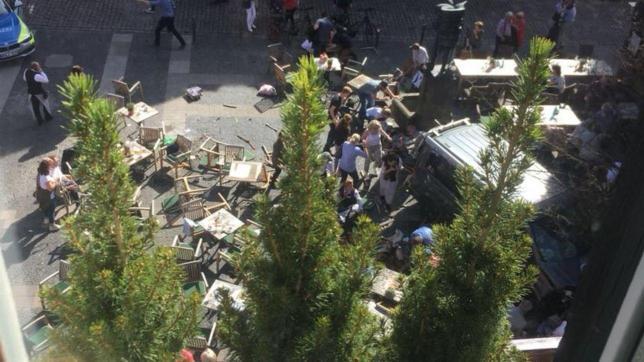 Germania: furgone sulla folla a Münster, 4 morti e 20 feriti. Suicida un attentatore, un altro in fuga