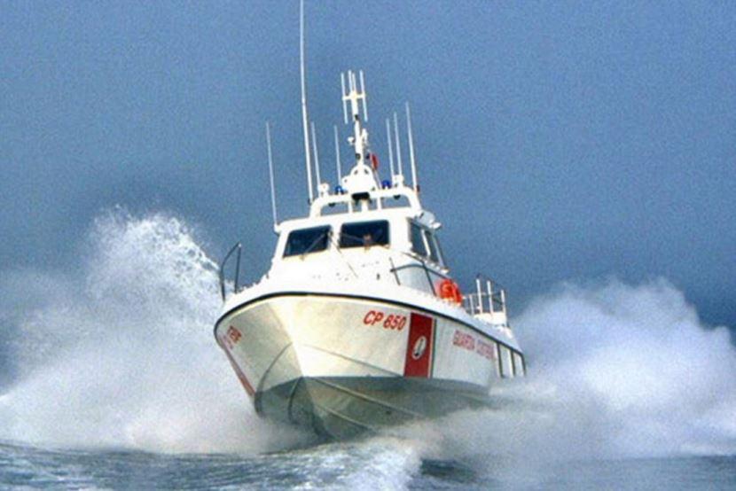 Mazara, La Guardia Costiera soccorre sommozzatore alla deriva