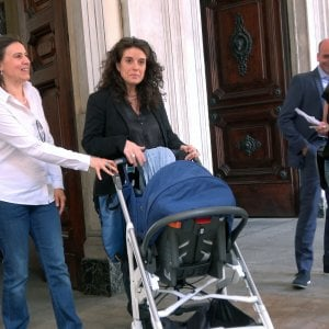 L'anagrafe di Torino registra il figlio di due madri, è la prima volta in Italia