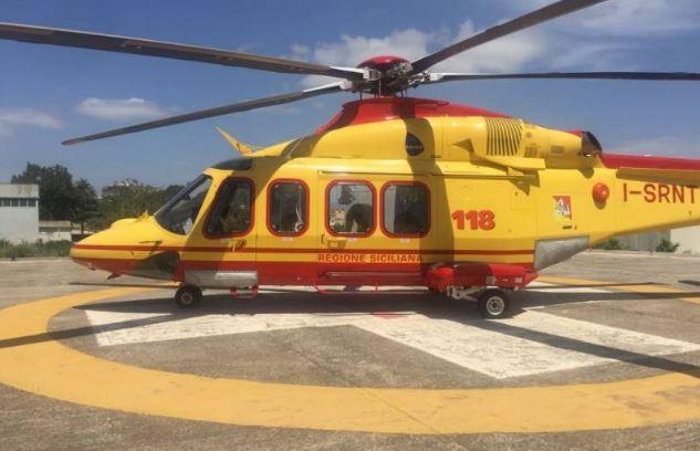 Incidente mentre effettuava dei lavori in campagna, uomo in grave condizioni trasportato in elisoccorso a Palermo