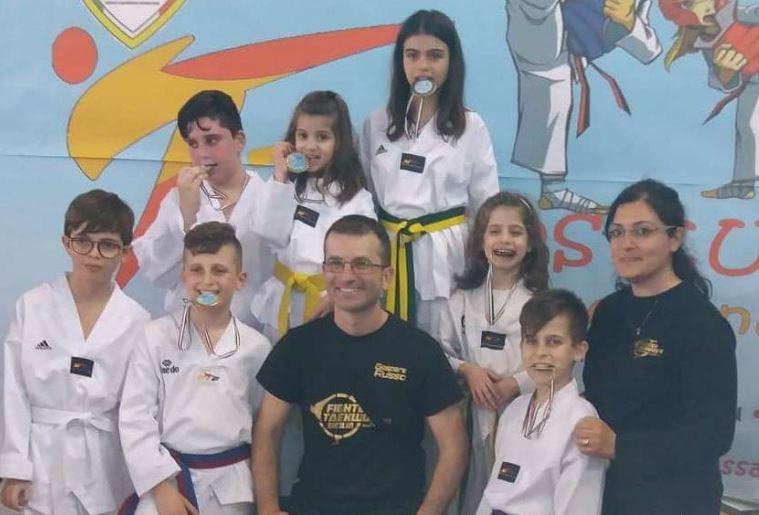 Mazara, Taekwondo: determinazione e medaglie d'oro per i fighter del maestro Russo