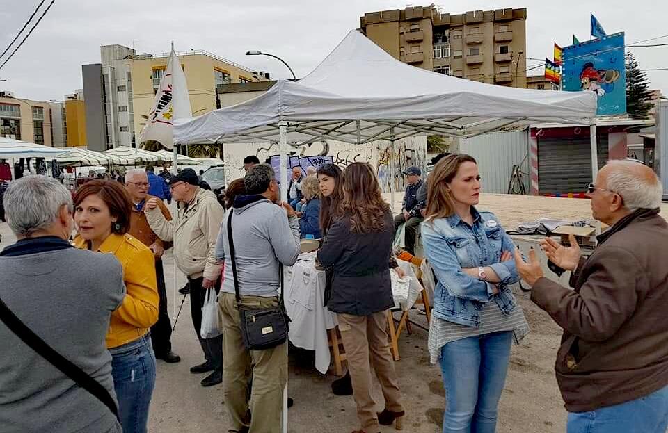 Trapani, Il Movimento 5 Stelle al mercato del giovedì per spiegare ai cittadini la raccolta differenziata