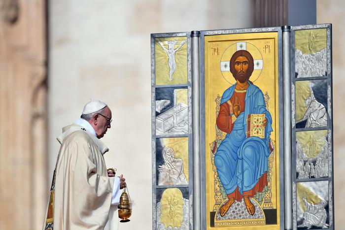 Messa di Pasqua, il Papa: