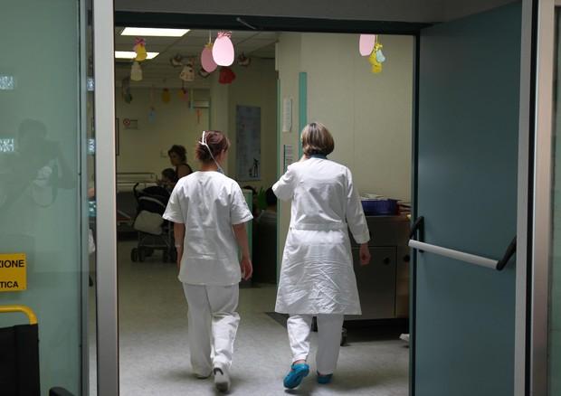 Ospedali non la ricoverano, bimba 4 anni muore per otite