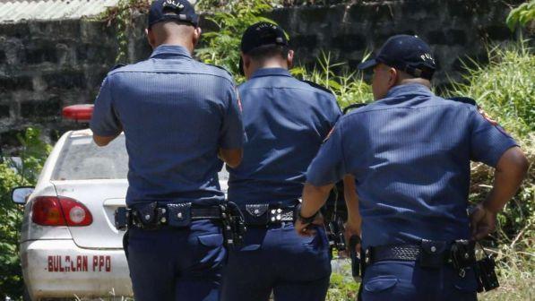 Filippine, prete cattolico ucciso mentre benediceva i bambini