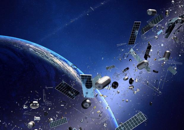 Due relitti spaziali verso la Terra entro il 2 maggio