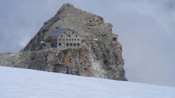 Svizzera, tempesta sulle Alpi investe escursionisti: 4 morti, 5 gravissimi