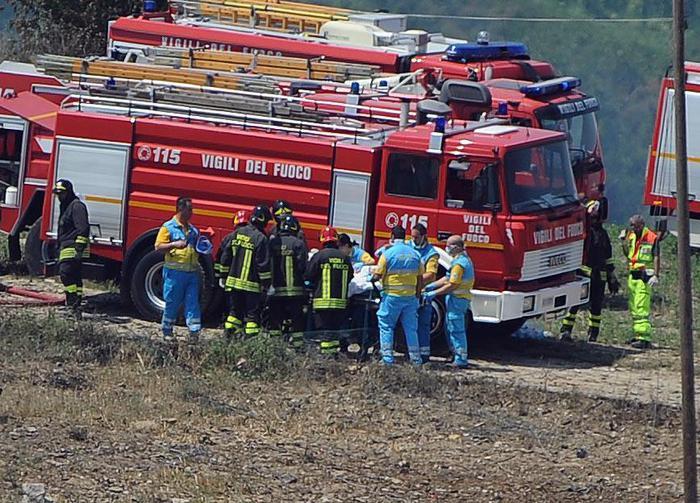 Esplosione in una fabbrica di 'botti', due feriti