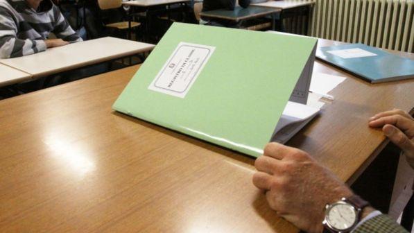 Scuola, firmato il rinnovo del contratto ricerca e istruzione. Previsto un aumento medio per tutto il personale tra gli 80 e i 110 euro lordi