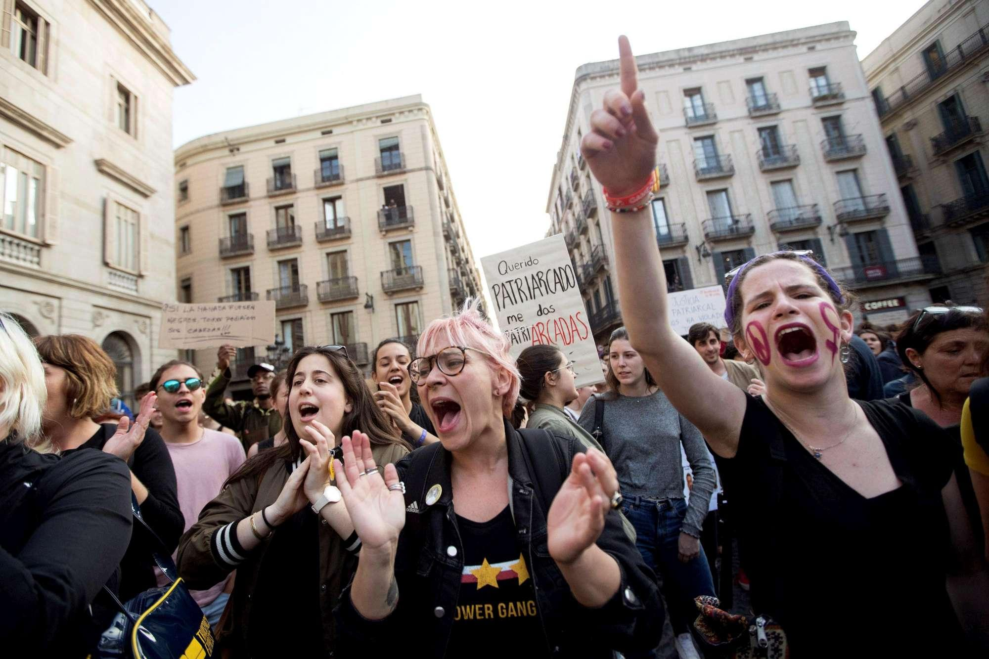 Spagna, branco stupra ragazza ma la condanna è per abusi: proteste