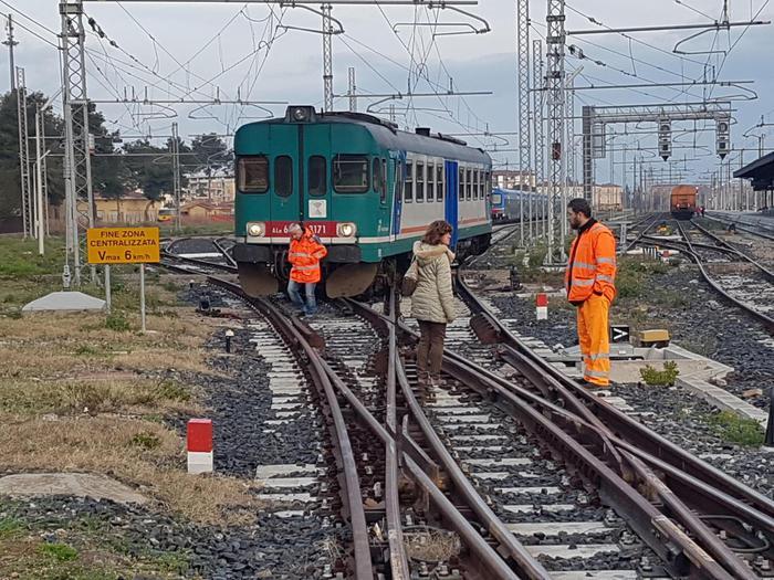 Treno regionale deraglia nel Cuneese