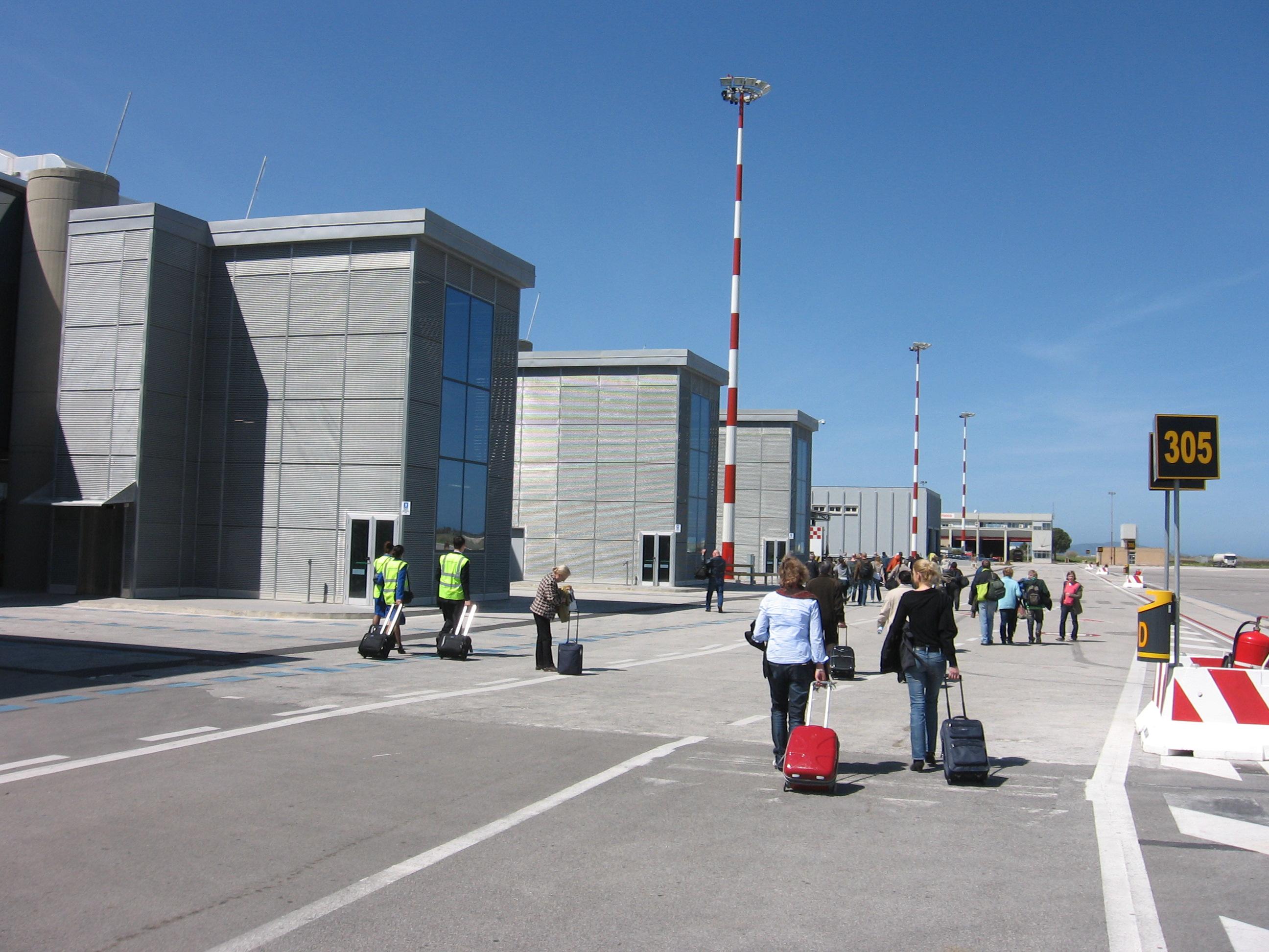 Scontro fra Trapani e Palermo per accaparrarsi i turisti dopo lo stop ai voli su Birgi