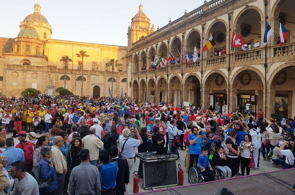 Mazara, festa di colori e di culture alla parata inaugurale dell'EUROPIADE