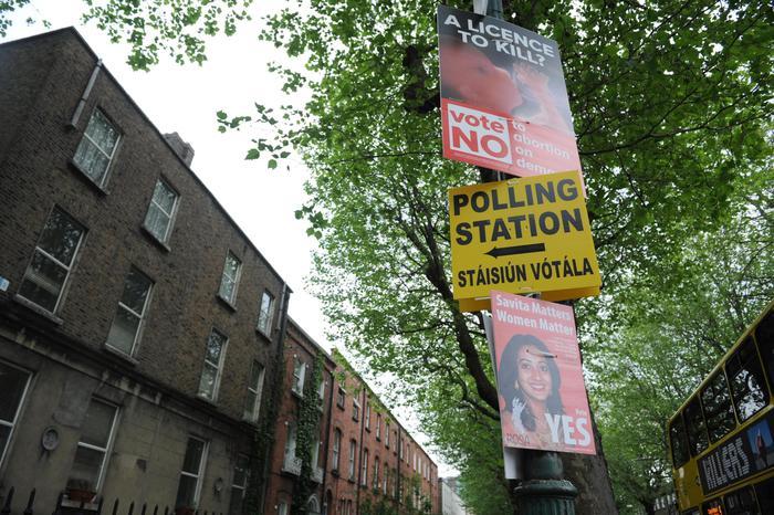 Aborto: l'Irlanda al voto, seggi aperti