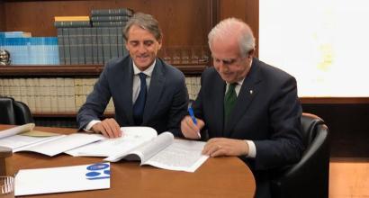 Nazionale, Mancini è ufficialmente il nuovo ct. Il tecnico ha firmato un contratto fino al 2020