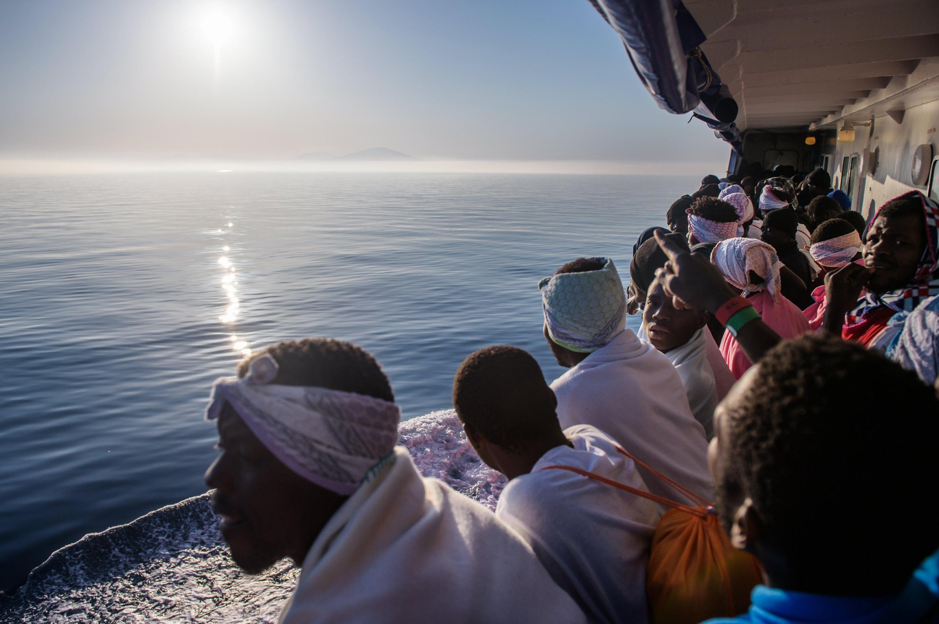 Presunto scafista arrestato a Trapani, avrebbe trasportato 14 migranti tunisini
