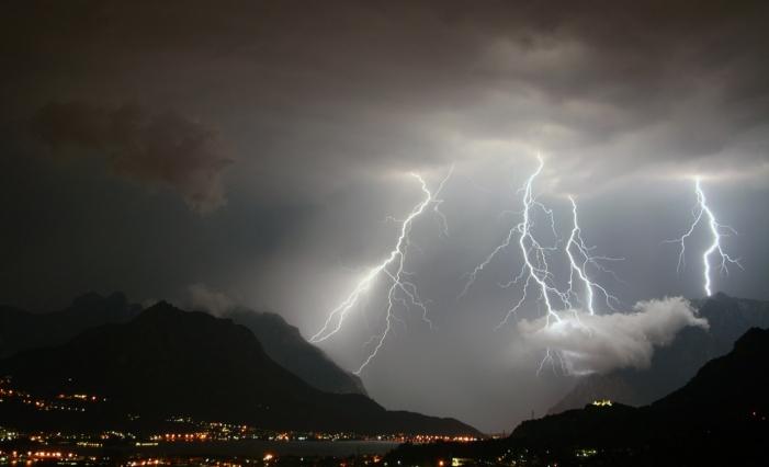 Maltempo. La Protezione civile regionale ha diramato un avviso per il rischio meteo-idrogeologico ed idraulico