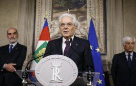 Governo, Conte rinuncia. Mattarella e il no a Savona: 'In gioco l'Italia nell'euro'. Capo dello Stato chiama Cottarelli