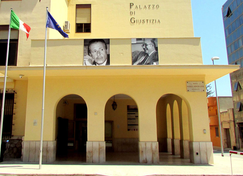 Immigrazione clandestina e contrabbando di sigarette, condanna per un mazarese e due tunisini