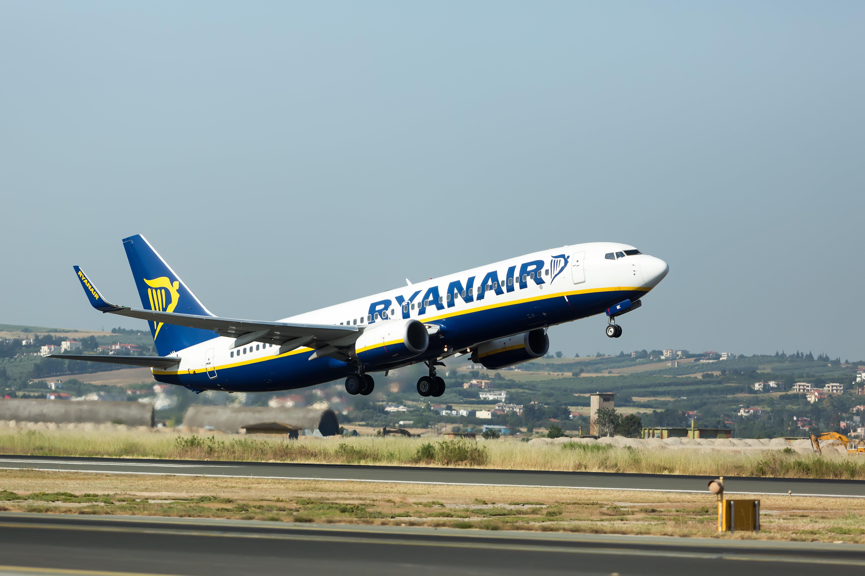 Aereo Ryanair Palermo-Milano parte con 5 ore di ritardo: protestano i passeggeri