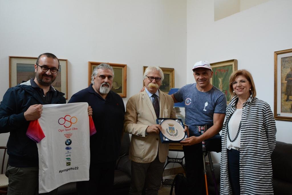Il sindaco di Mazara, on Cristaldi incontra l'atleta paralimpico Andre Devincenzi