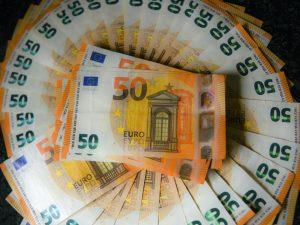 Veneto, conducente trova 45.000 euro nel bus e li restituisce