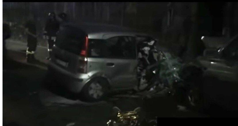 Incidente nella notte: muore un ragazzo di 29 anni, tre feriti