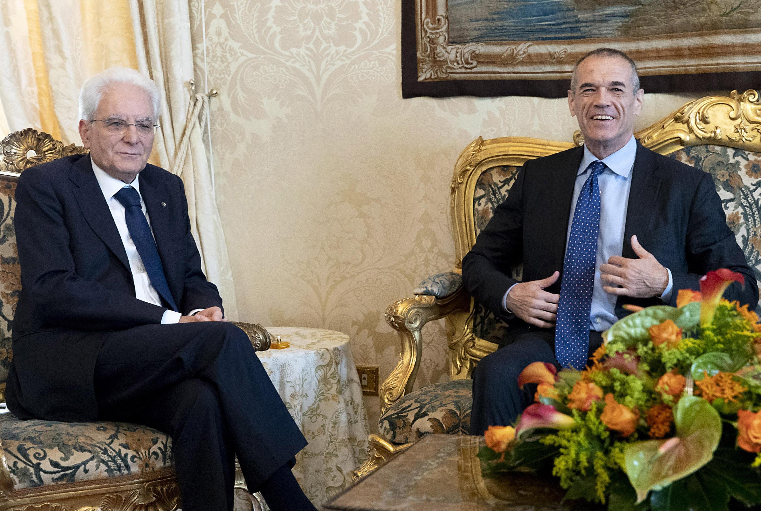 Governo, Cottarelli prende tempo. Domani nuovo incontro al Colle: i partiti chiedono il voto il 29 luglio
