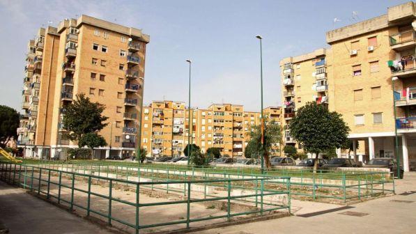 Napoli, violentava la nipote minorenne: arrestato un 28enne