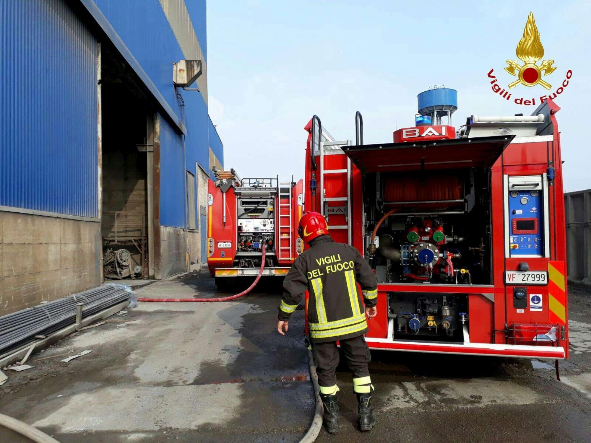 Padova, colata bollente investe operai di un'acciaieria: 4 ustionati