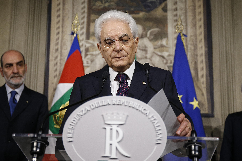 Governo, offese a Mattarella sui social: tre indagati dalla procura di Palermo, ma al vaglio un centinaio di post