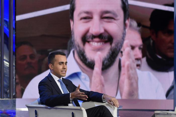 Governo, Salvini e Di Maio pronti al passo di lato per agevolarne nascita