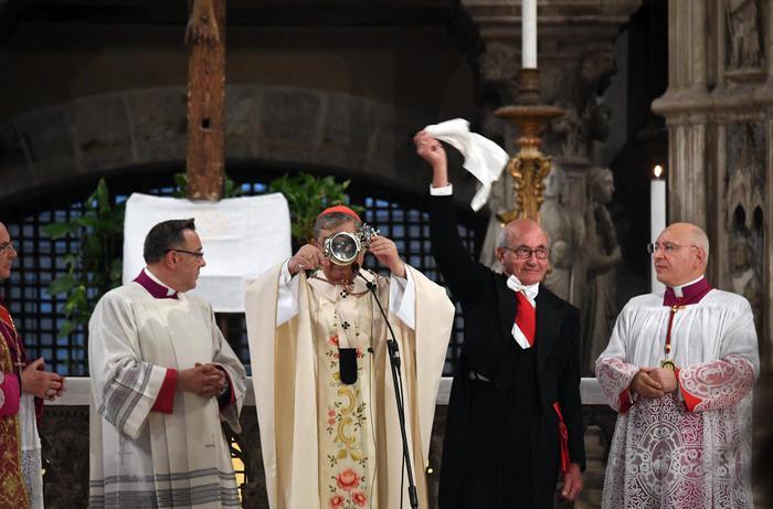 Si rinnova il miracolo di San Gennaro