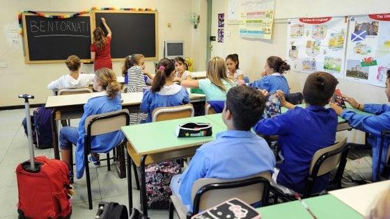 In Sicilia a scuola il 12 settembre, nessun limite ai viaggi d'istruzione