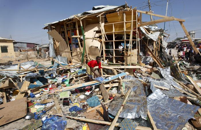 Somalia: kamikaze al mercato, almeno 10 morti