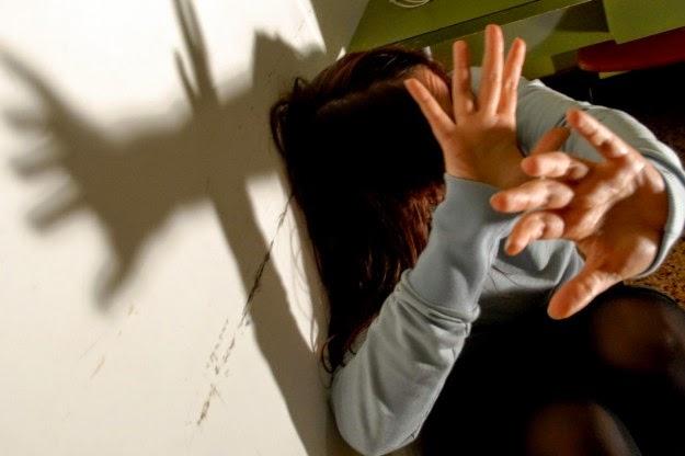 Picchia la moglie davanti ai figli. Arrestato un 34enne a Palermo