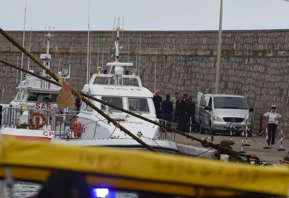 Lazio, trovati in mare i cadaveri di una donna e di una bimba: erano abbracciate