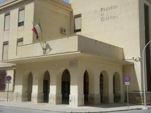 Pantelleria, lesioni e abusi sulla moglie: chiesta condanna a 4 anni