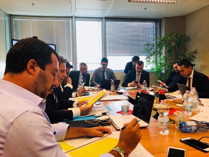 Governo: faccia a faccia Salvini-Di Maio. Leader Lega: 'Sostanziale accordo su punti chiave'