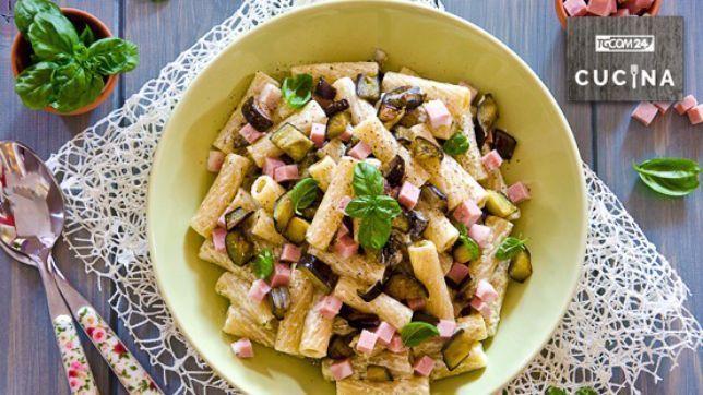 La ricetta per preparare la Pasta con melanzane e mortadella