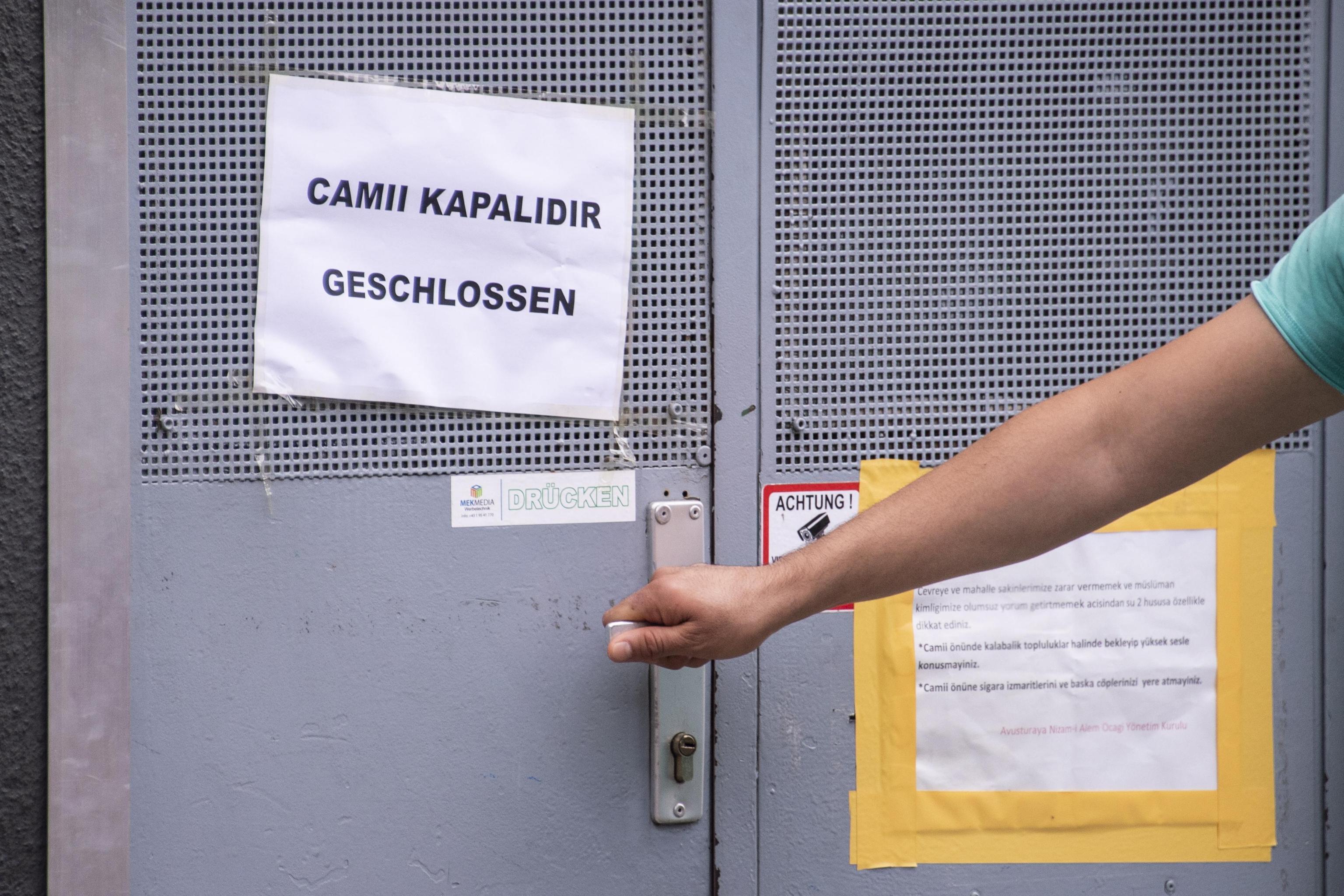 Violano la legge: l'Austria chiude sette moschee ed espelle alcuni imam
